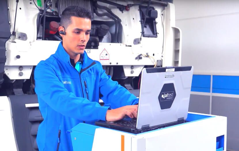 cojali usa service technician performing jaltest updates