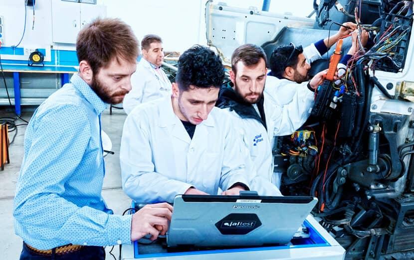 cojali usa diagnostic technician performing jaltest training